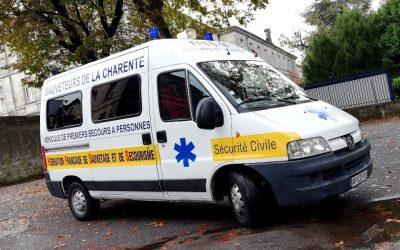 photo-ambulance-sauveteurs-charente